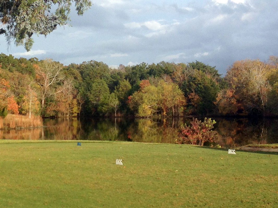 Brenham Country Club on an autumn morning